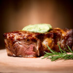 Receita:  Entrecôte com manteiga de ervas – Rib Eye Steak with herb butter